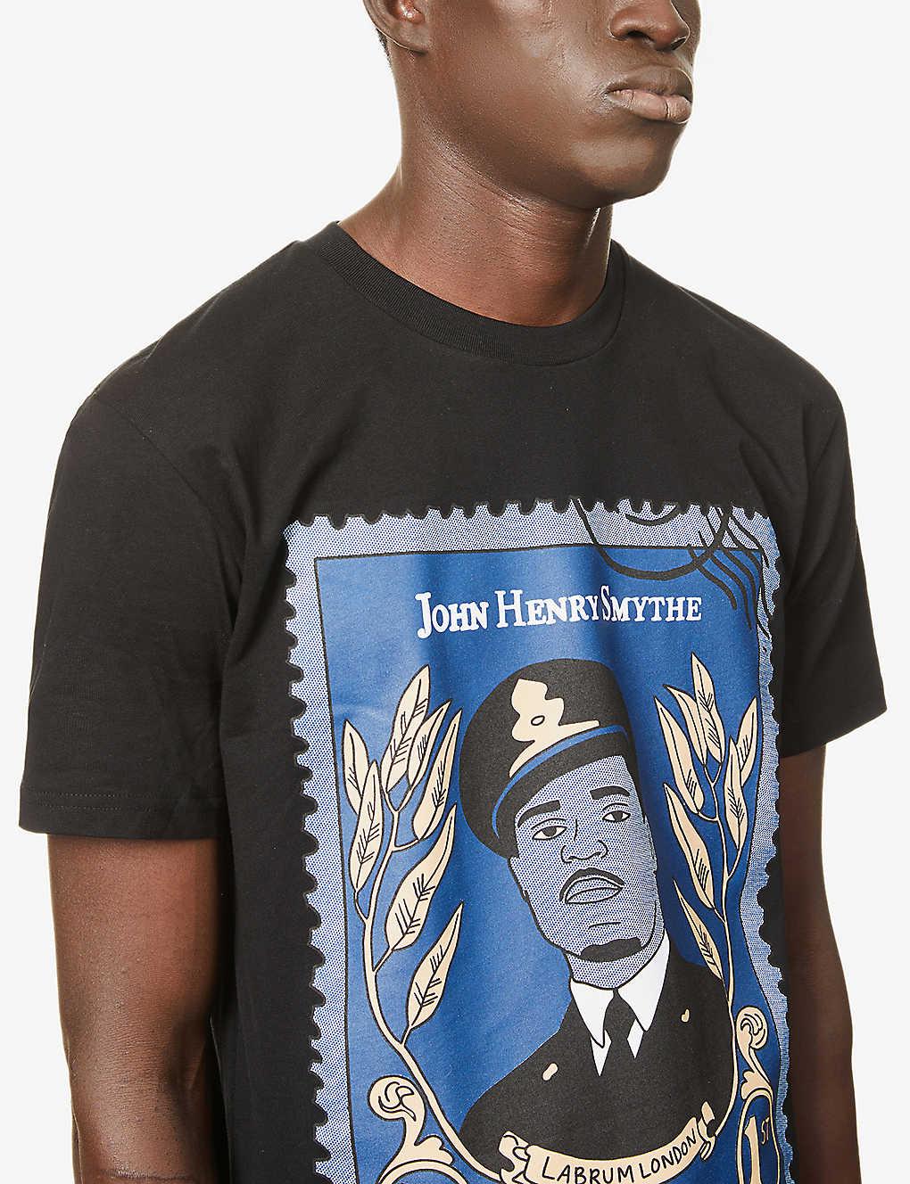 JOHN HENRY SMYTHE STAMP TEE  BLACK